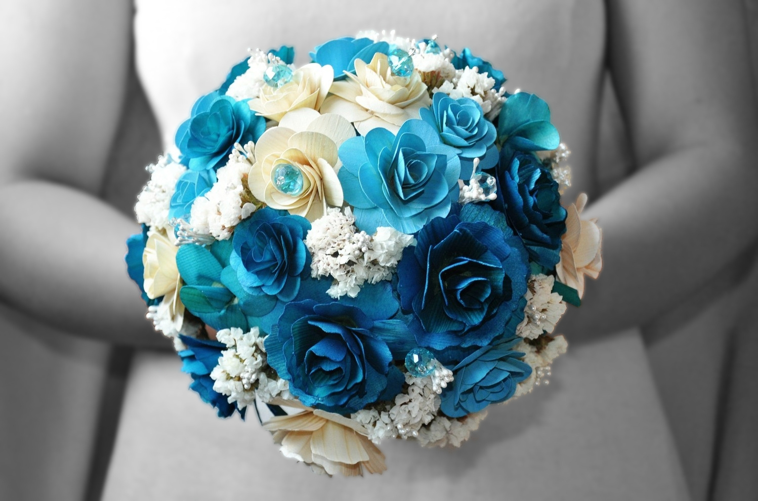 28147-blue-and-white-wedding-flowers-bouquet